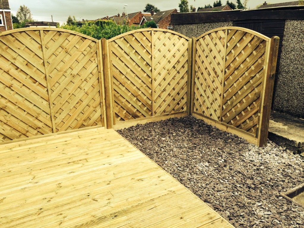 we install wooden fence panels in derbyshire
